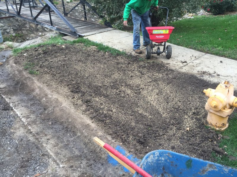 Public-Works-Lawn-Restoration-Grading-Seed-Fertilizer-Straw-Blanket-6