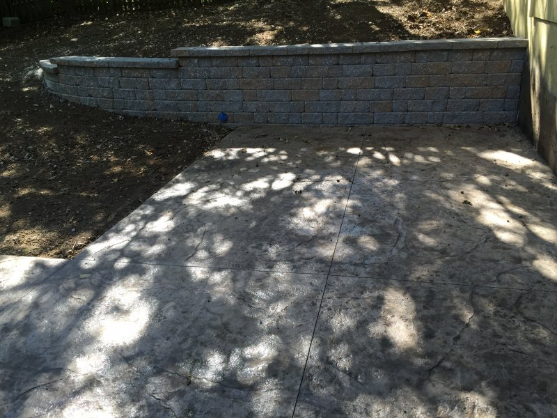 Custom-two-level-retaining-wall-patio-after-03