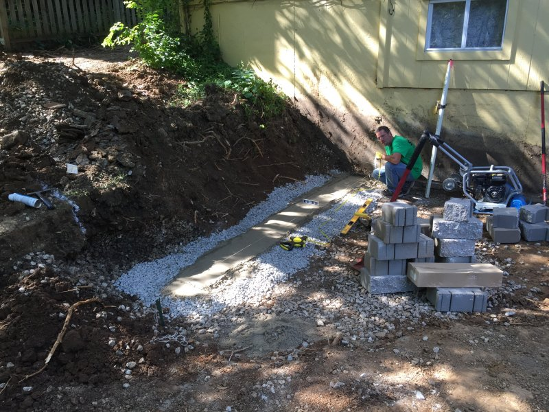 Custom-two-level-retaining-wall-patio-progress-02