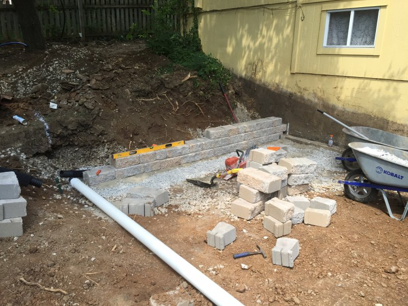 Custom-two-level-retaining-wall-patio-progress-04