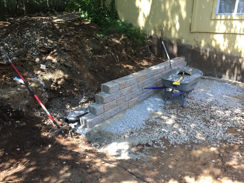 Custom-two-level-retaining-wall-patio-progress-09