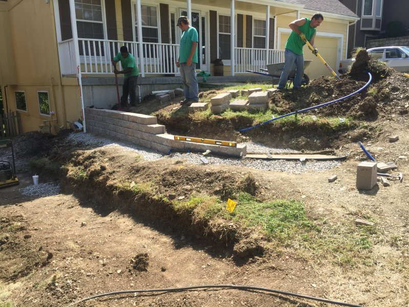 Custom-two-level-retaining-wall-patio-progress-17