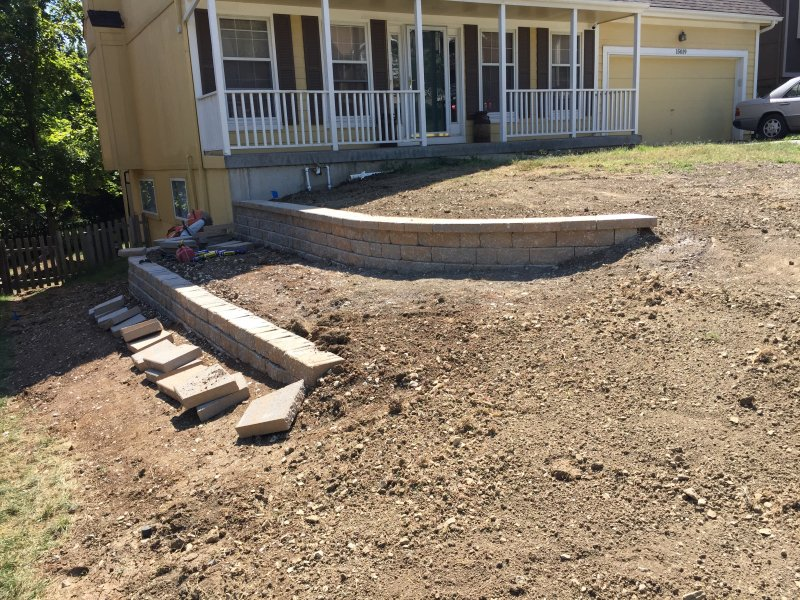 Custom-two-level-retaining-wall-patio-progress-28