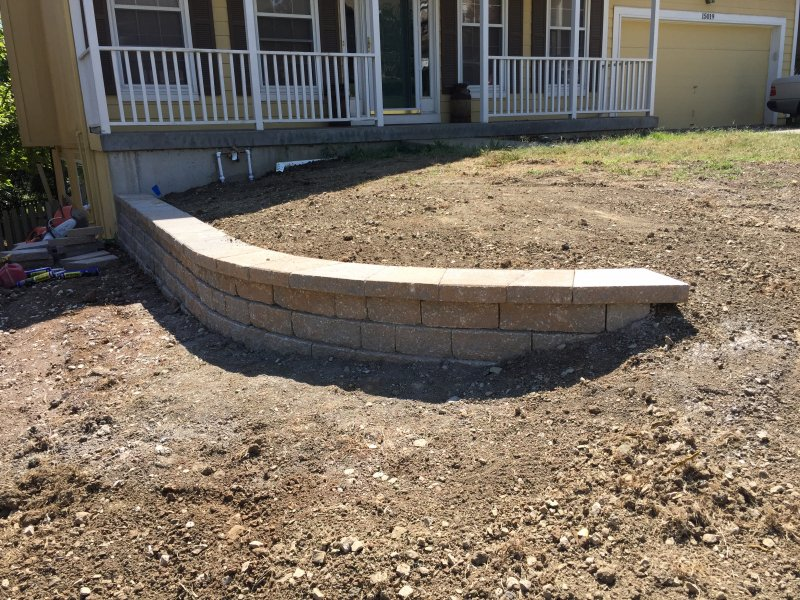 Custom-two-level-retaining-wall-patio-progress-29