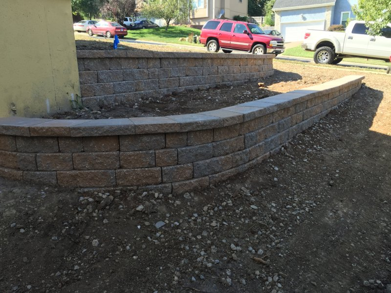 Custom-two-level-retaining-wall-patio-progress-41