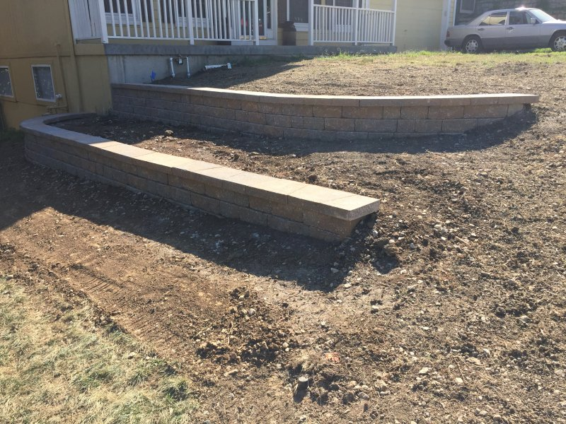 Custom-two-level-retaining-wall-patio-progress-42